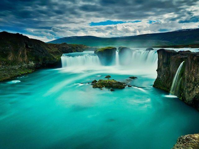 Водопад Годафосс Северная Исландия