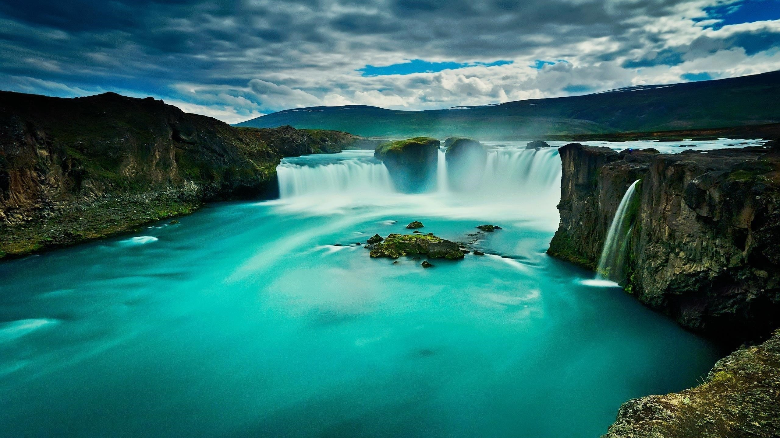 Водопад Годафосс Северная Исландия обои скачать