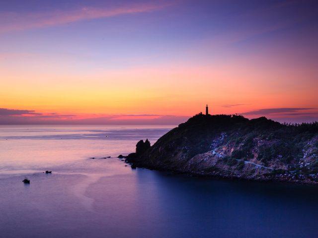 Закат пейзаж башня