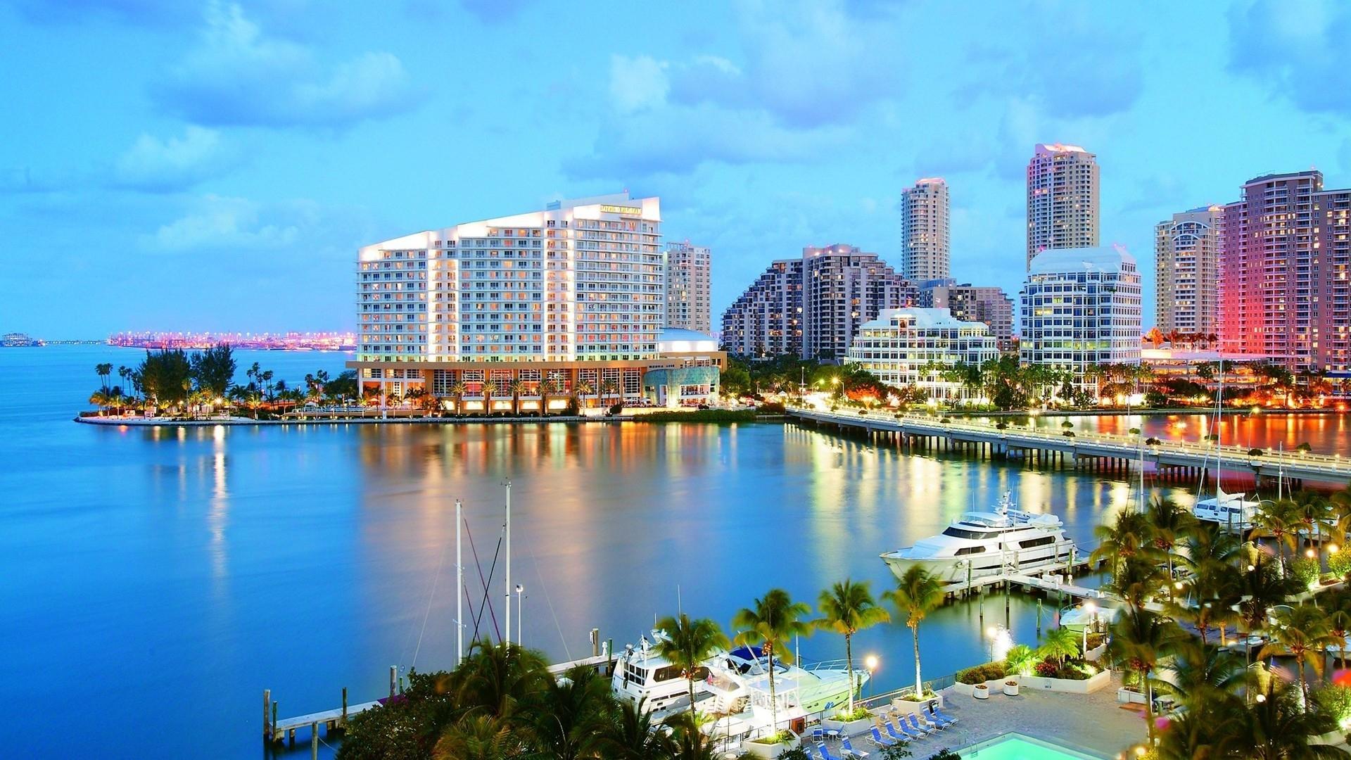 Пляж Майами Флорида солнечным днем обои скачать