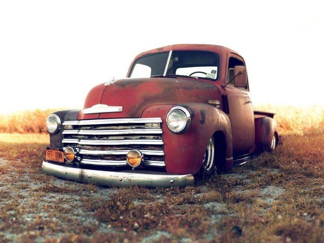 Красный Шевроле такуаче грузовые автомобили