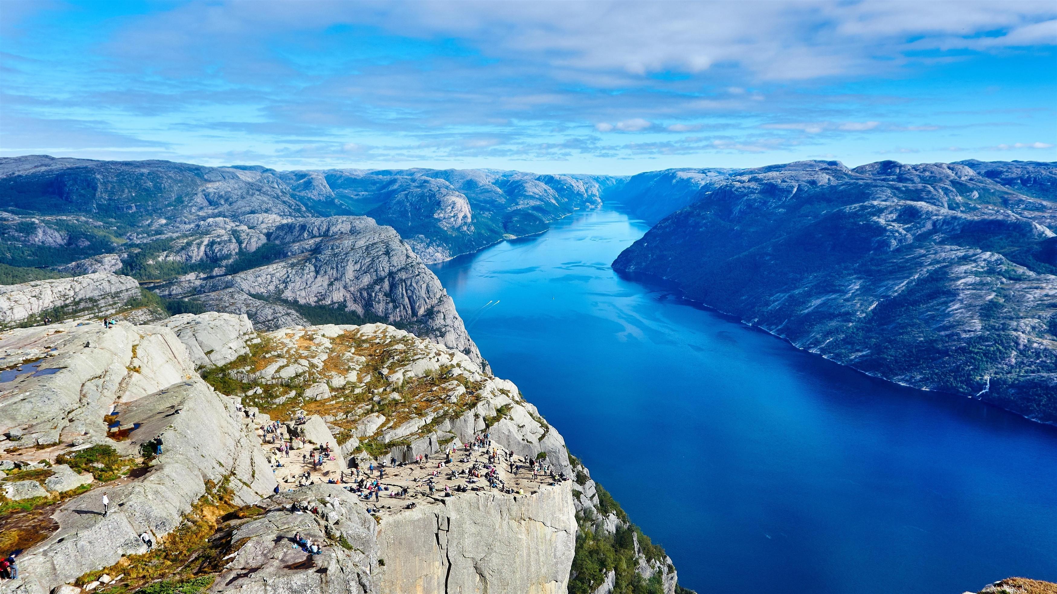 Утес Прейкестолен река Норвегия обои скачать