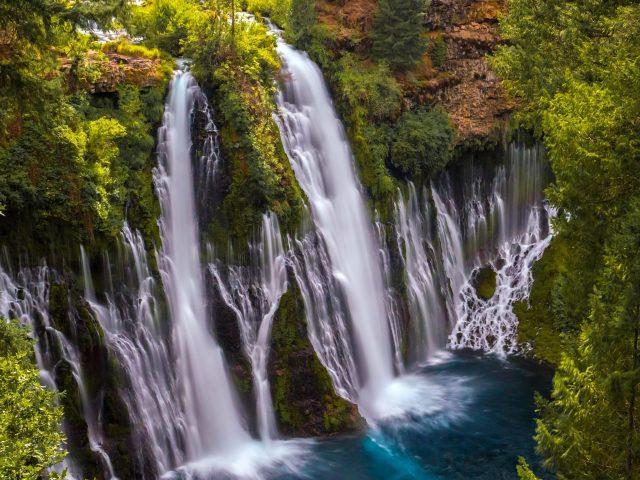 Калифорнийские водопады пейзаж