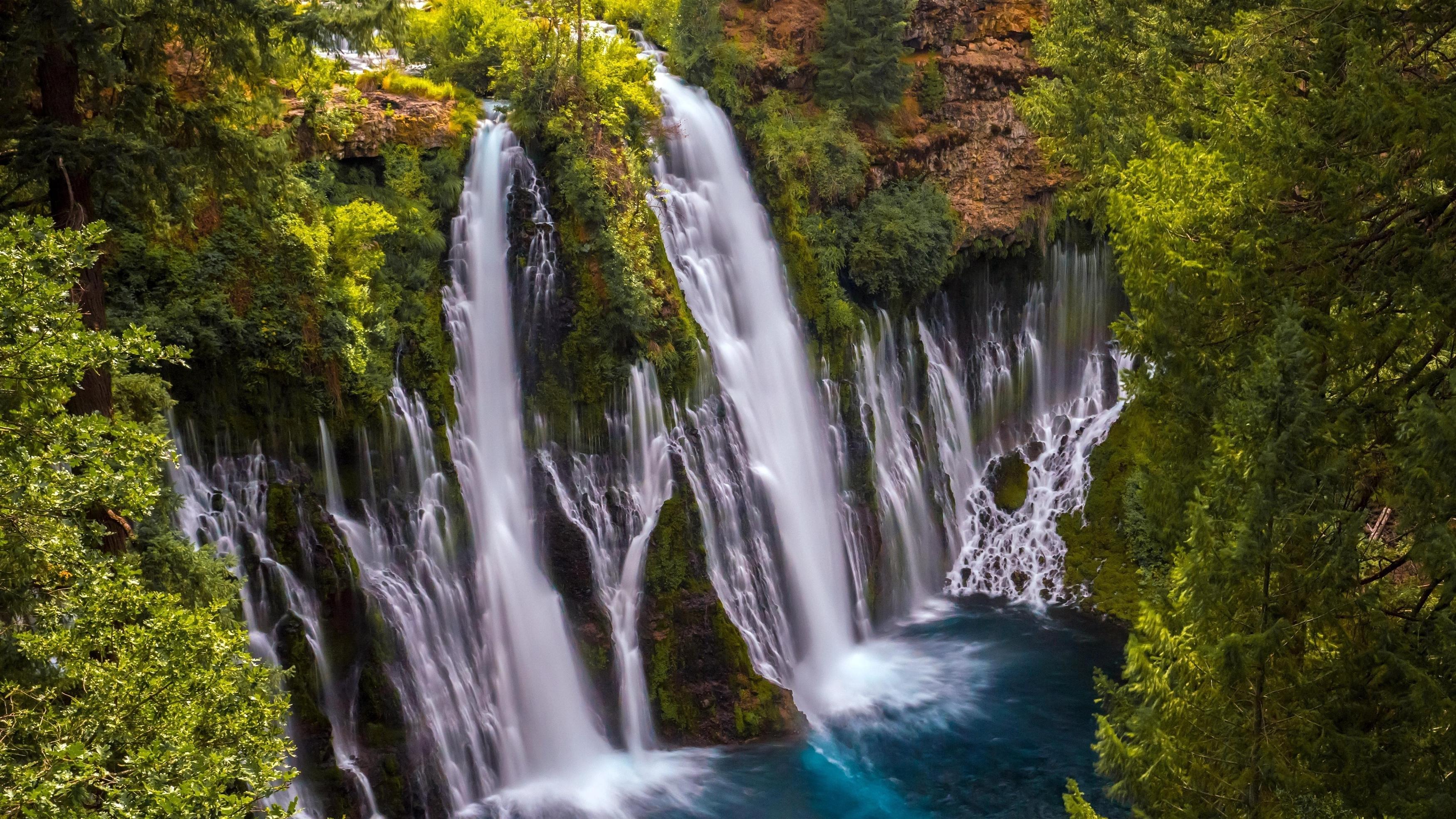 Калифорнийские водопады пейзаж обои скачать