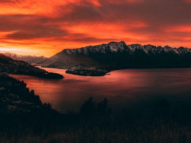 Горы закат озеро