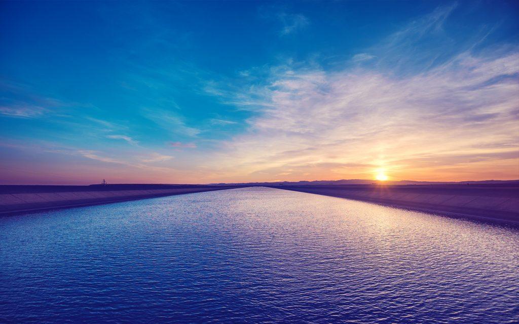 Закат над каналом. обои скачать