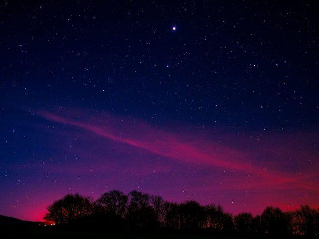Минимальная ночная розовая Аврора длительная экспозиция Природа
