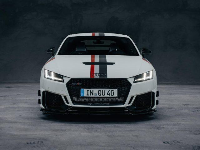 Белый audi tt rs купе 40 лет quattro 2020 автомобили