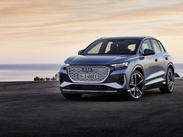 Audi q4 50 e tron s line 2021 2 автомобиля