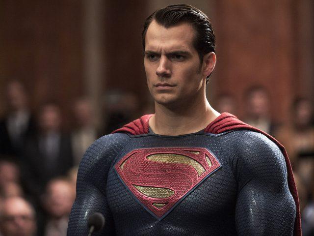 Бэтмен против супермена на заре справедливости Генри кавилл.