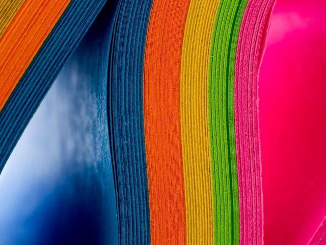 Радужные цвета бумаги аннотация