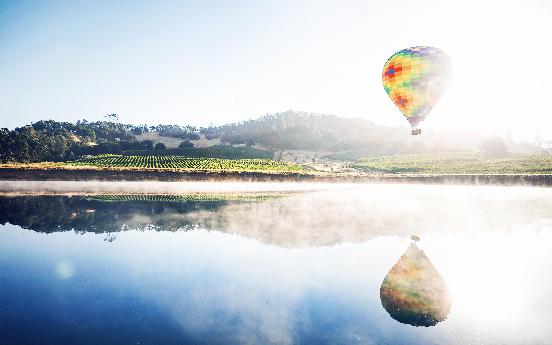 Горячий воздух воздушный шар размышления. обои скачать