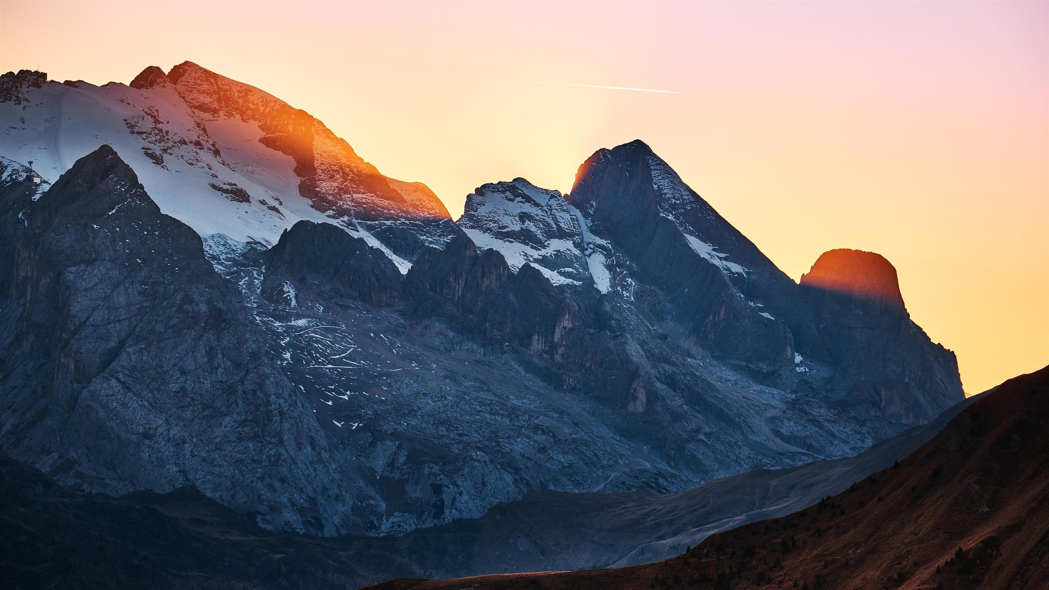 Бесплатный проход в горах закат обои скачать