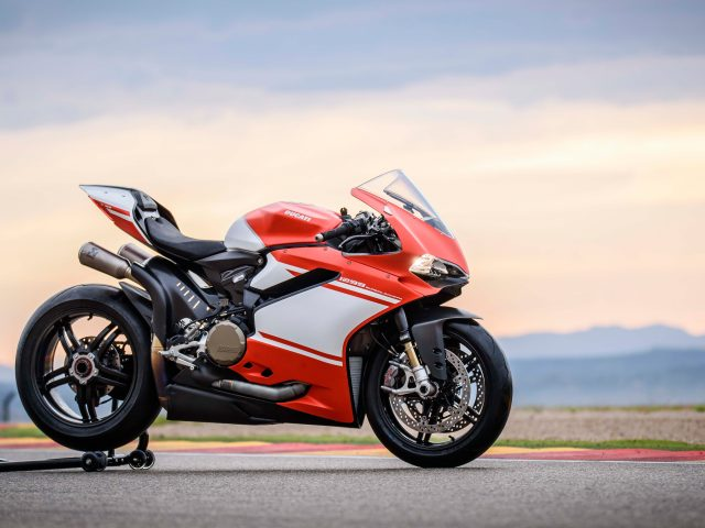 Ducati 1299 superleggera 8.