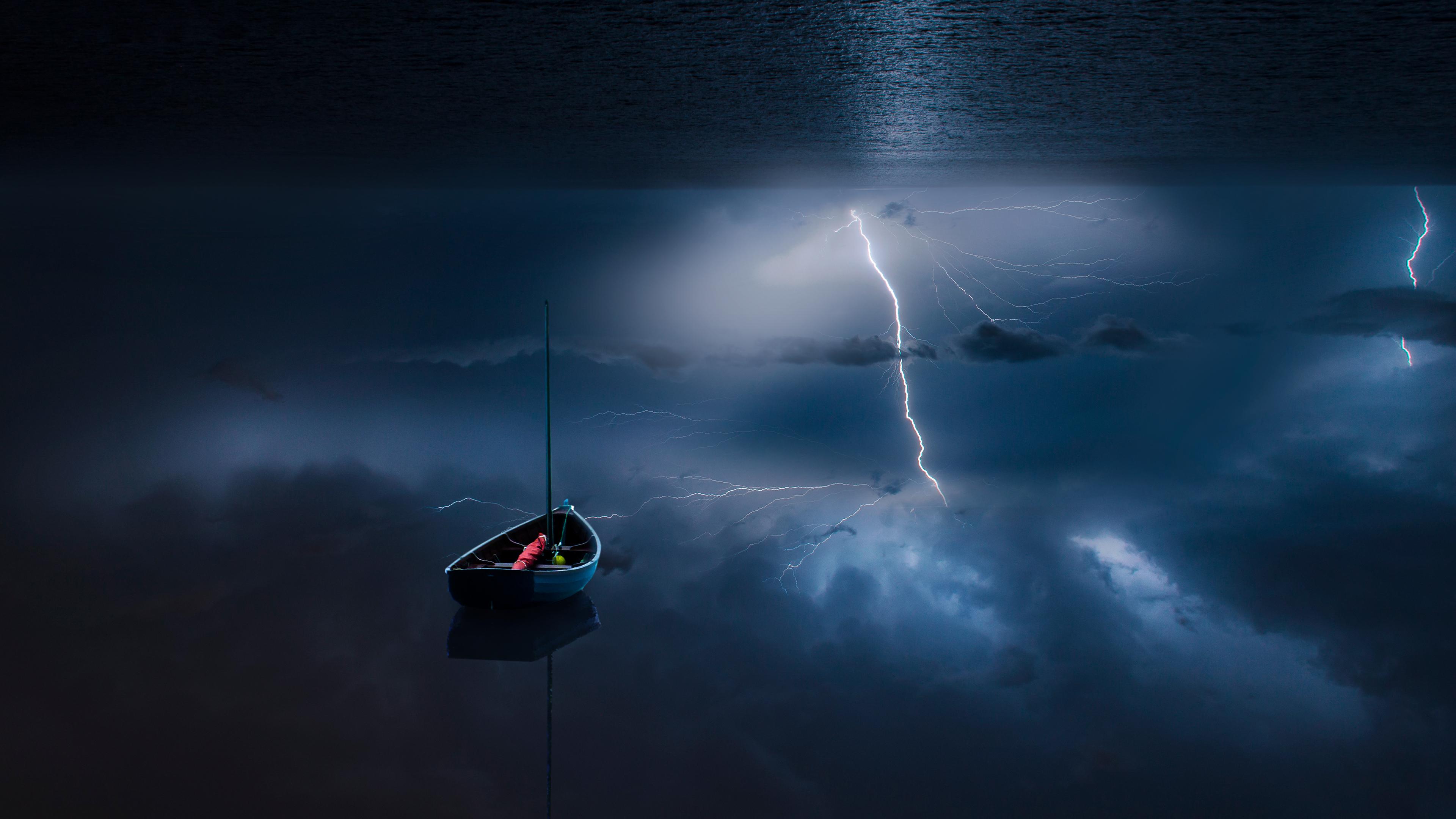 Перевернутый шторм моря обои скачать