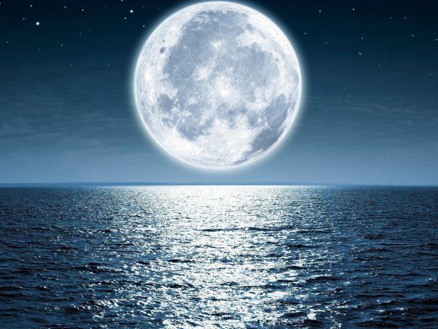 Лунная ночь море пляж