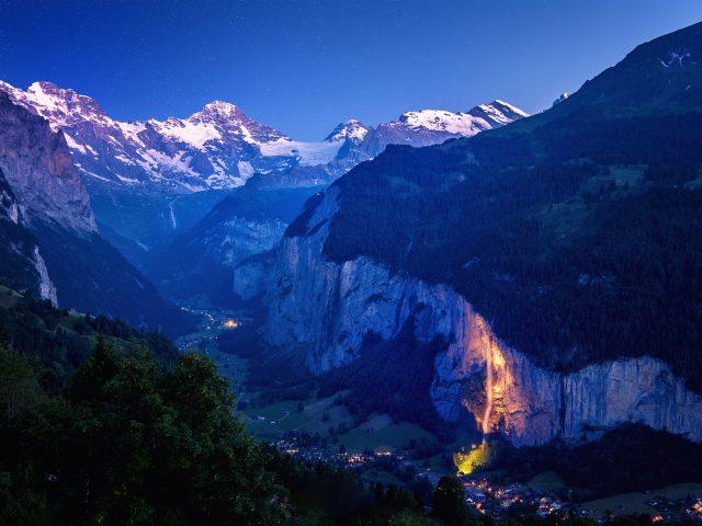 Глубокая долина Швейцарии.
