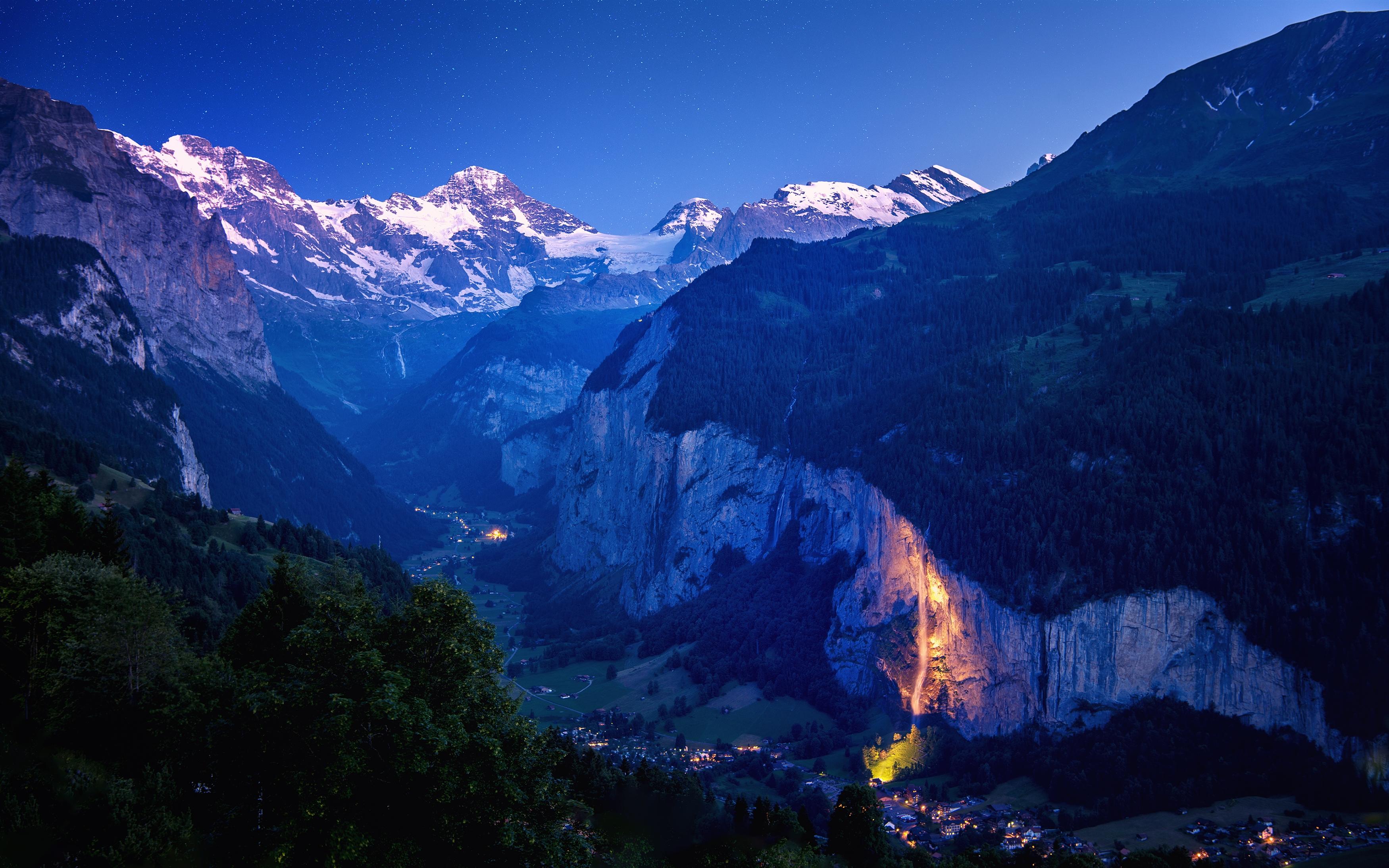 Глубокая долина Швейцарии. обои скачать