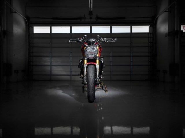 2019 Ducati monster 1200 триколор по мотивации