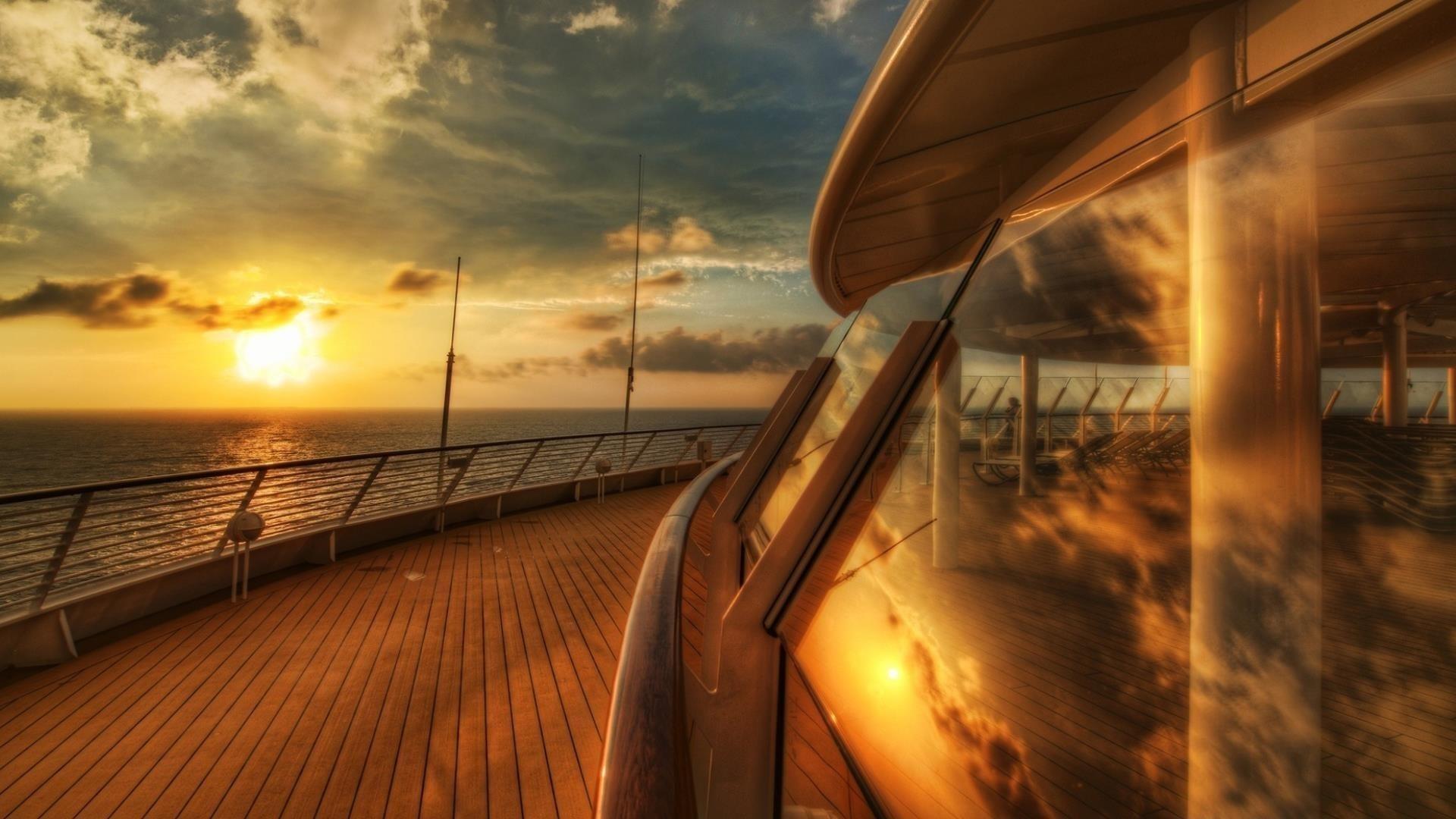Вид с круизного лайнера с деревянным полом круизный лайнер обои скачать