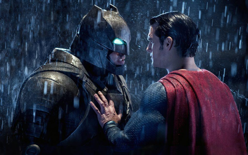 Бэтмен супермен мерятся. обои скачать