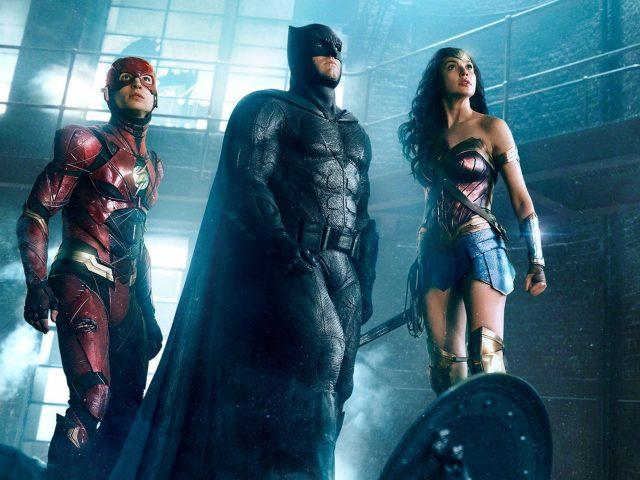 Флеш, Бэтмен, чудо-женщина Лига справедливости.