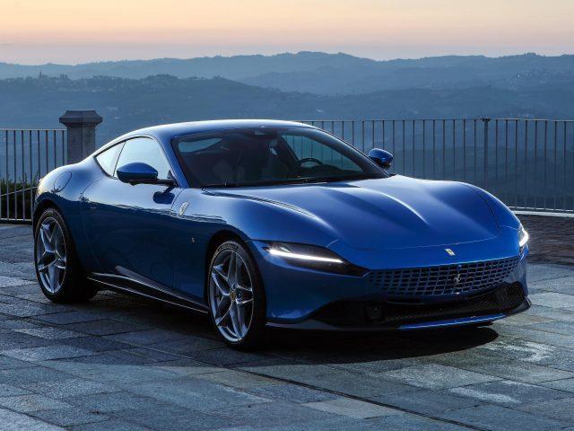 Синий ferrari roma 2021 2 машины