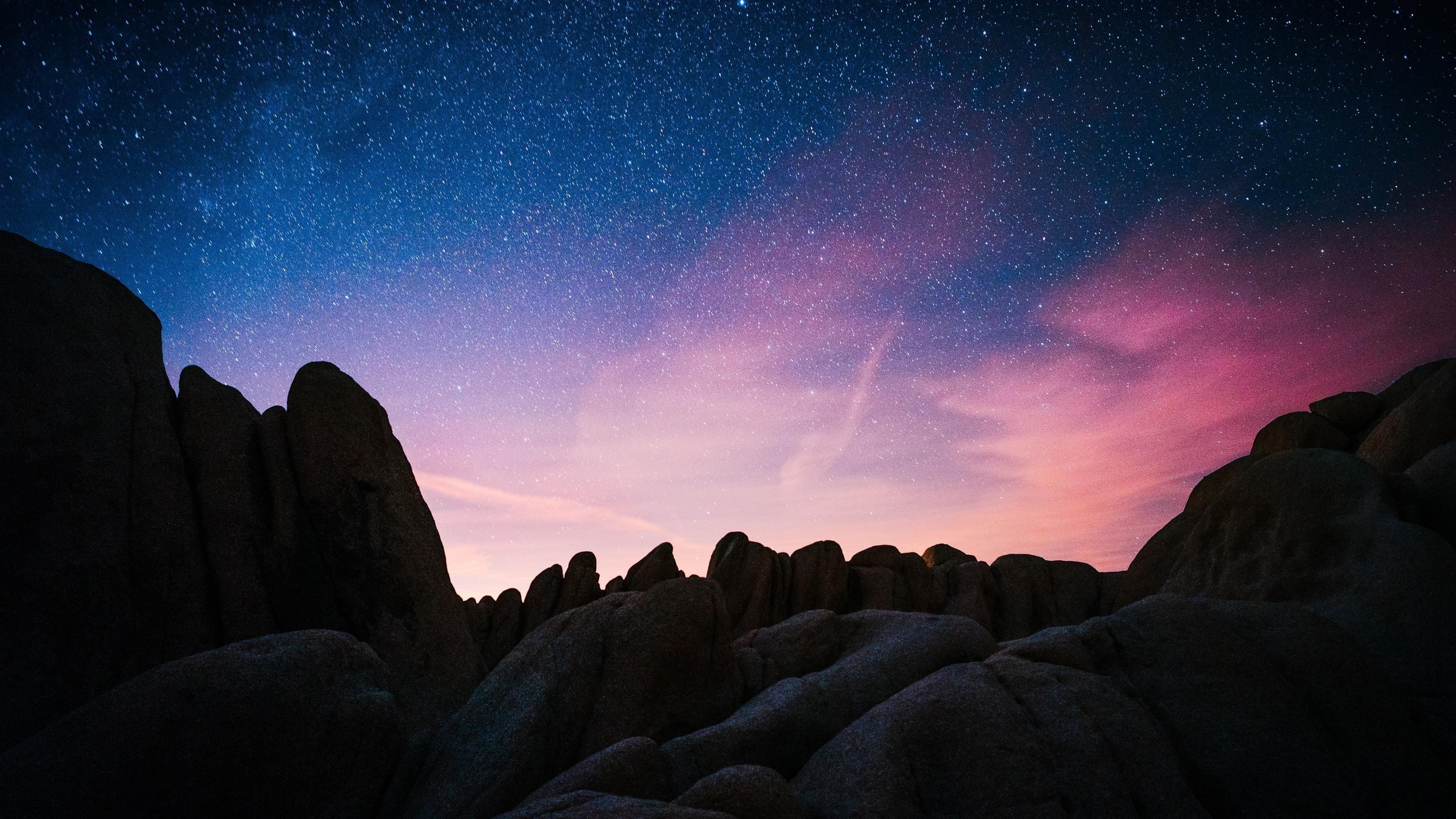 Звездное небо скалы обои скачать