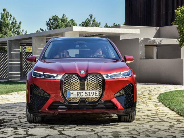 Красный 2021 bmw ix спортивные автомобили