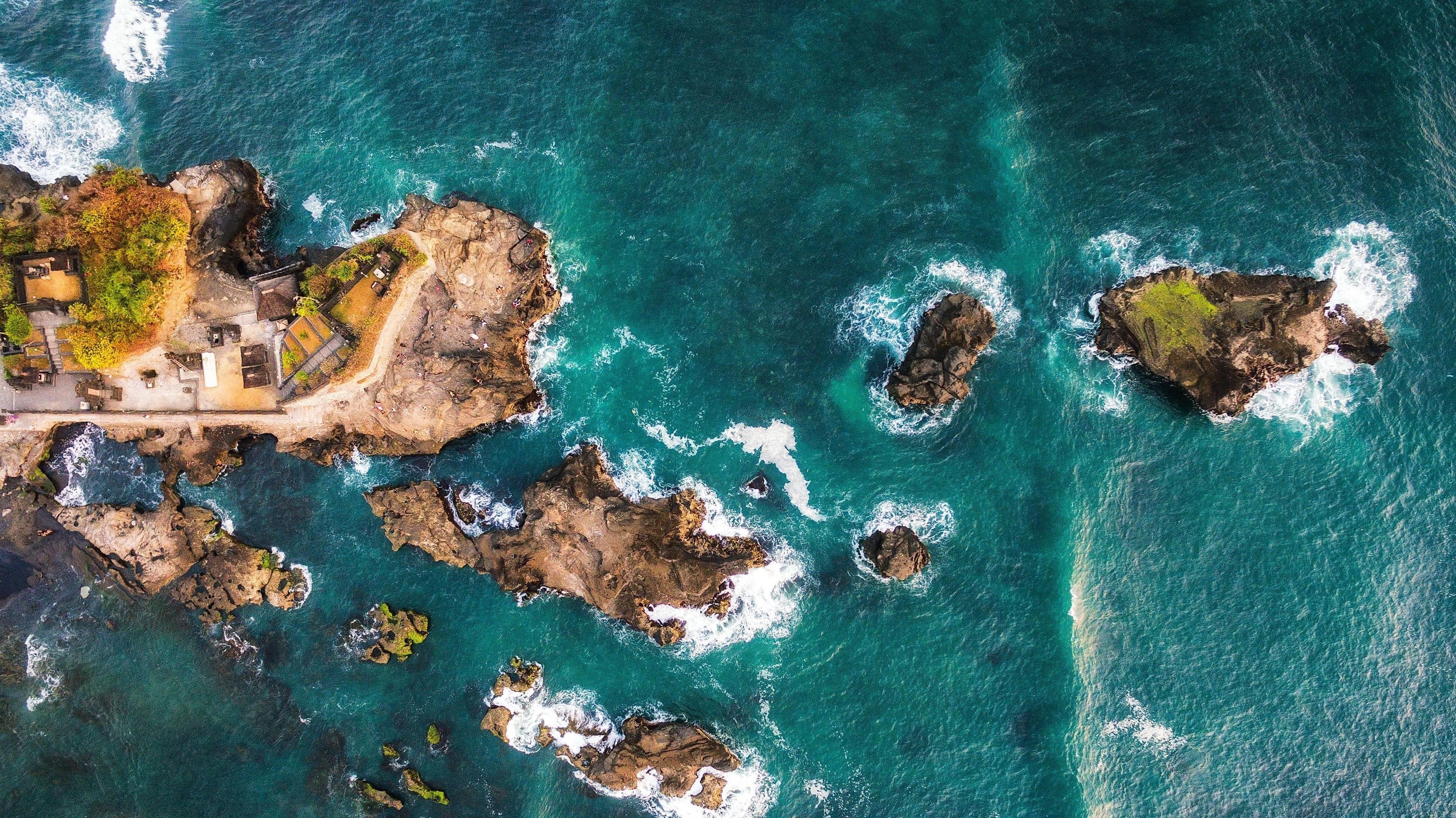 Вид с высоты птичьего полета на острова Бали обои скачать