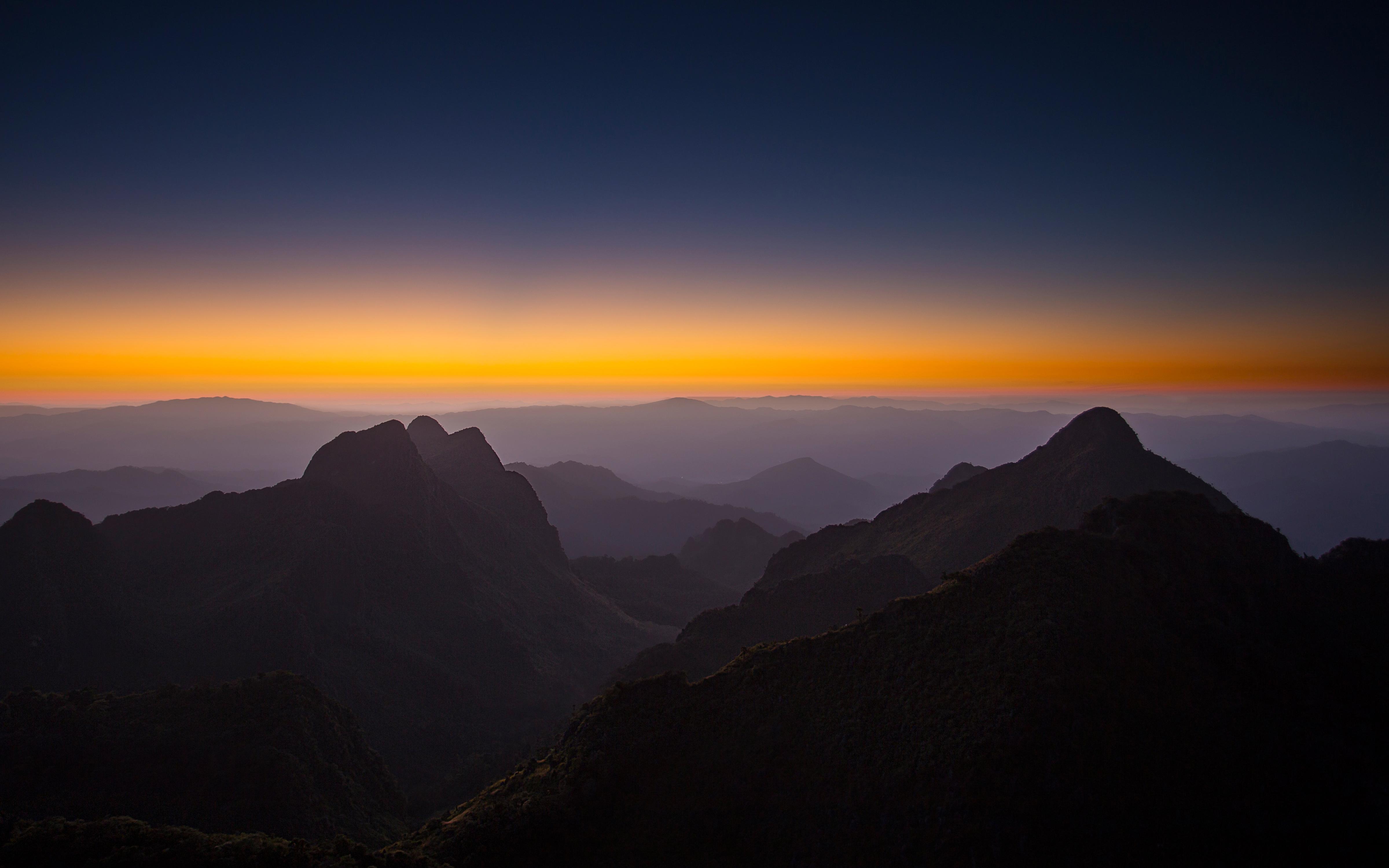 Горизонте горы закат. обои скачать
