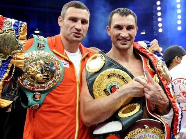 Владимир Кличко с наградами бокса