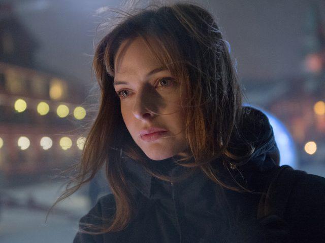 Ребекка Фергюсон в снеговика