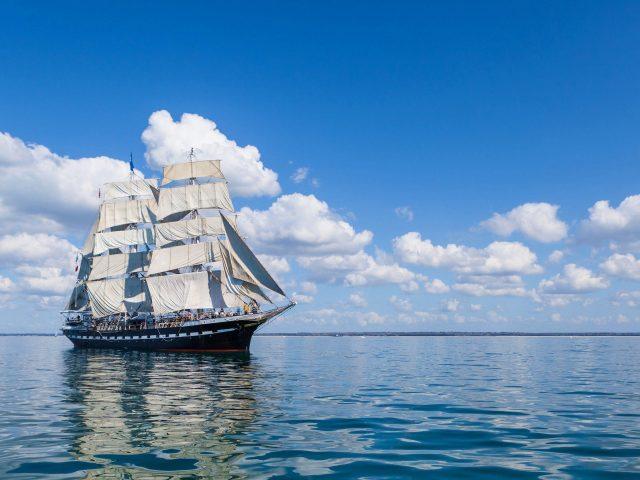 Корабль море небо Парус волна