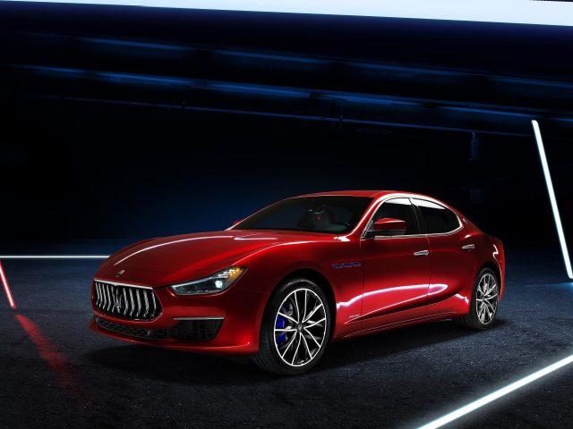 Maserati ghibli gran lusso hybrid 2020