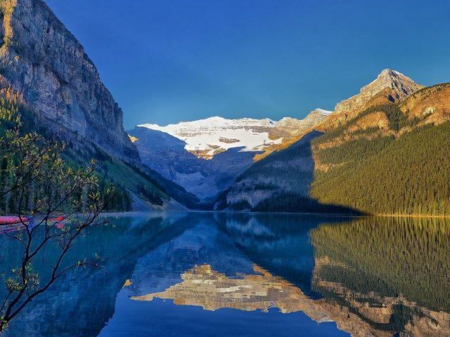 Канада Луиза Лейк Альберта национальный парк Банф гора с отражением природы