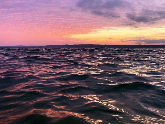Морской пейзаж после захода солнца