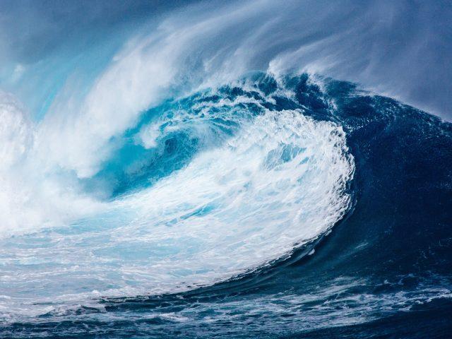 Приливные волны.