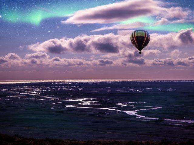 Воздушный шар Аврора Бореалис пейзаж