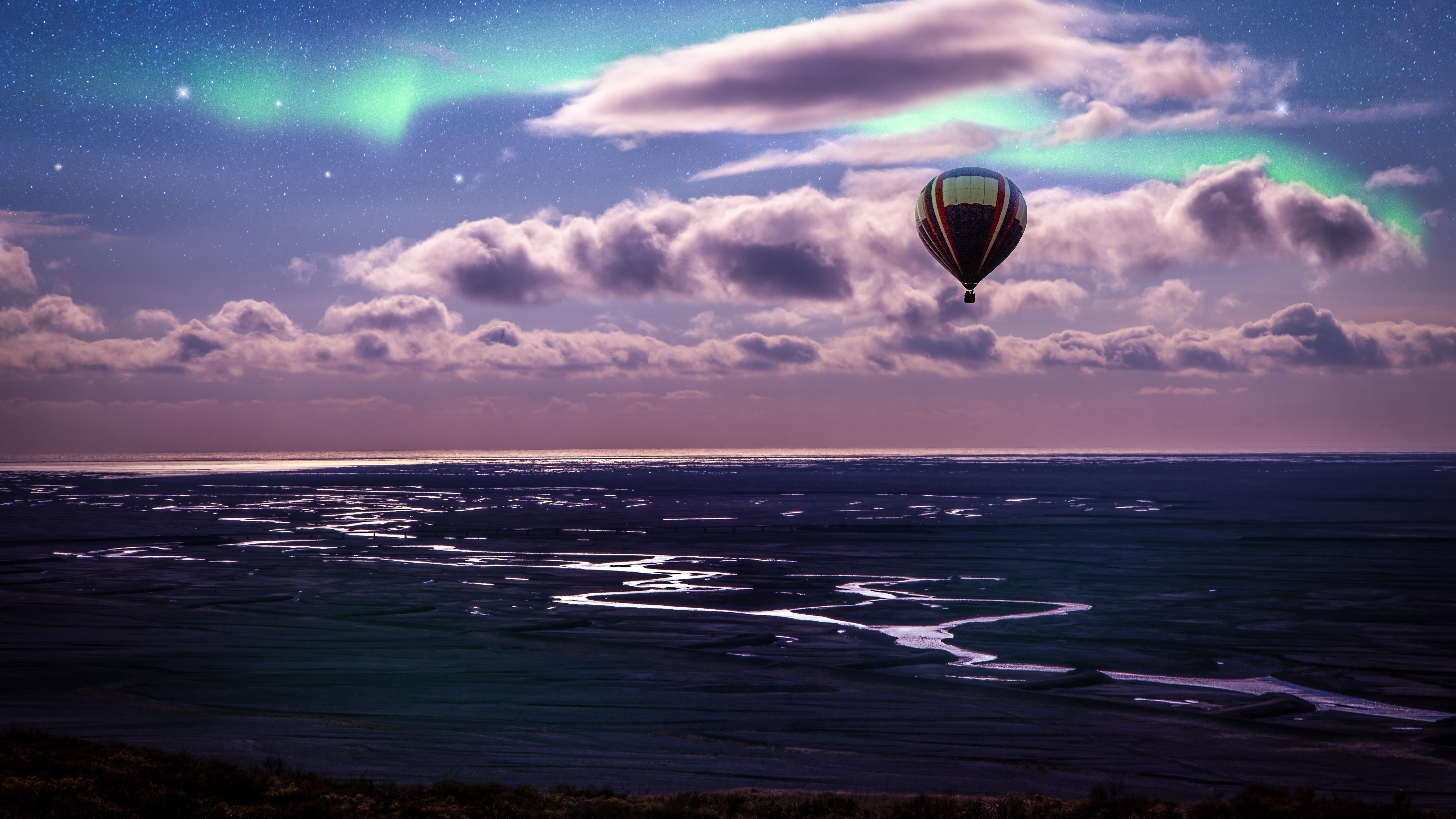 Воздушный шар Аврора Бореалис пейзаж обои скачать