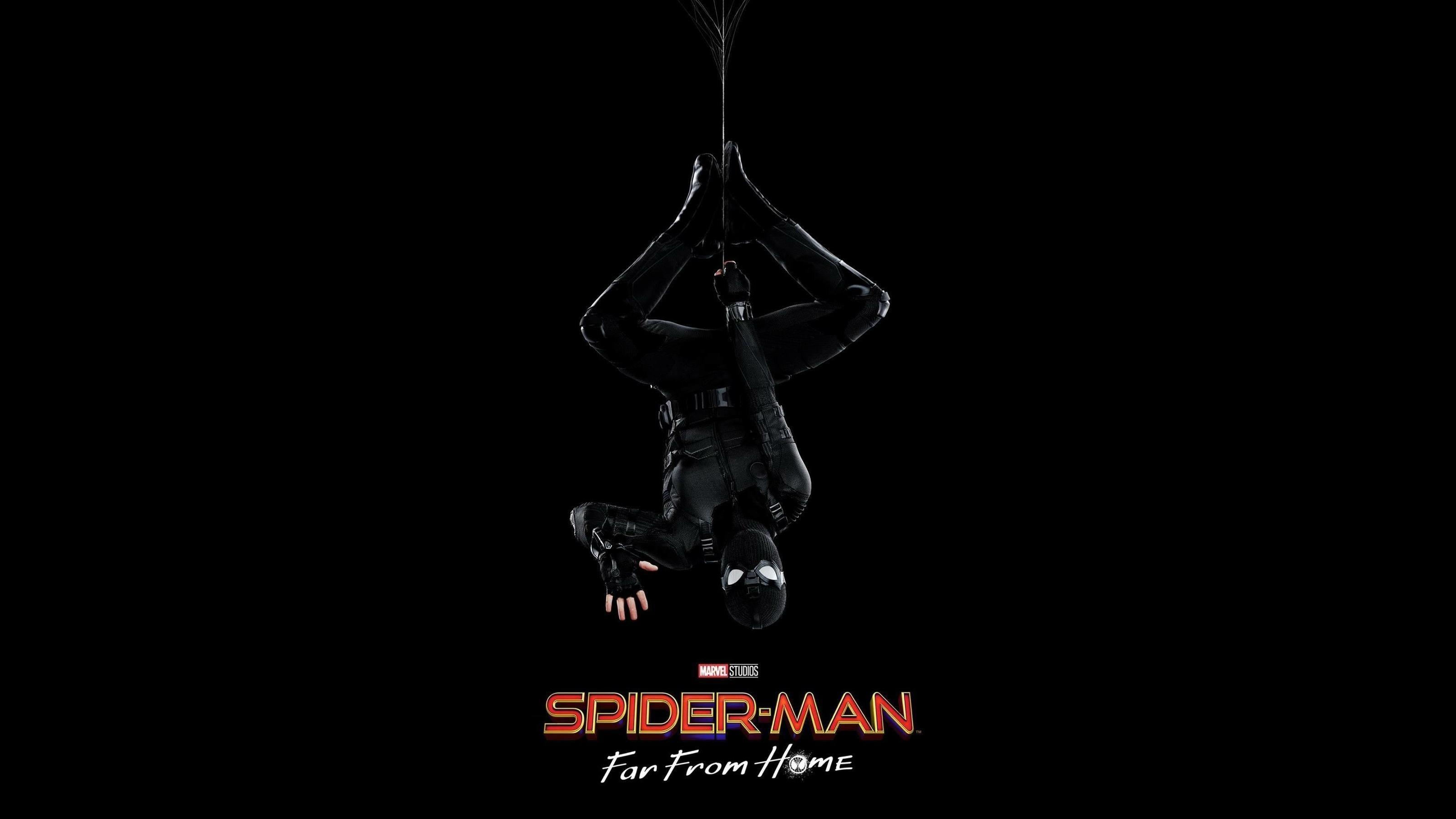 Человек-паук Вдали от дома стелс костюм обои скачать