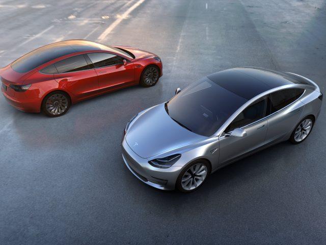 Модели Tesla 3 8к.