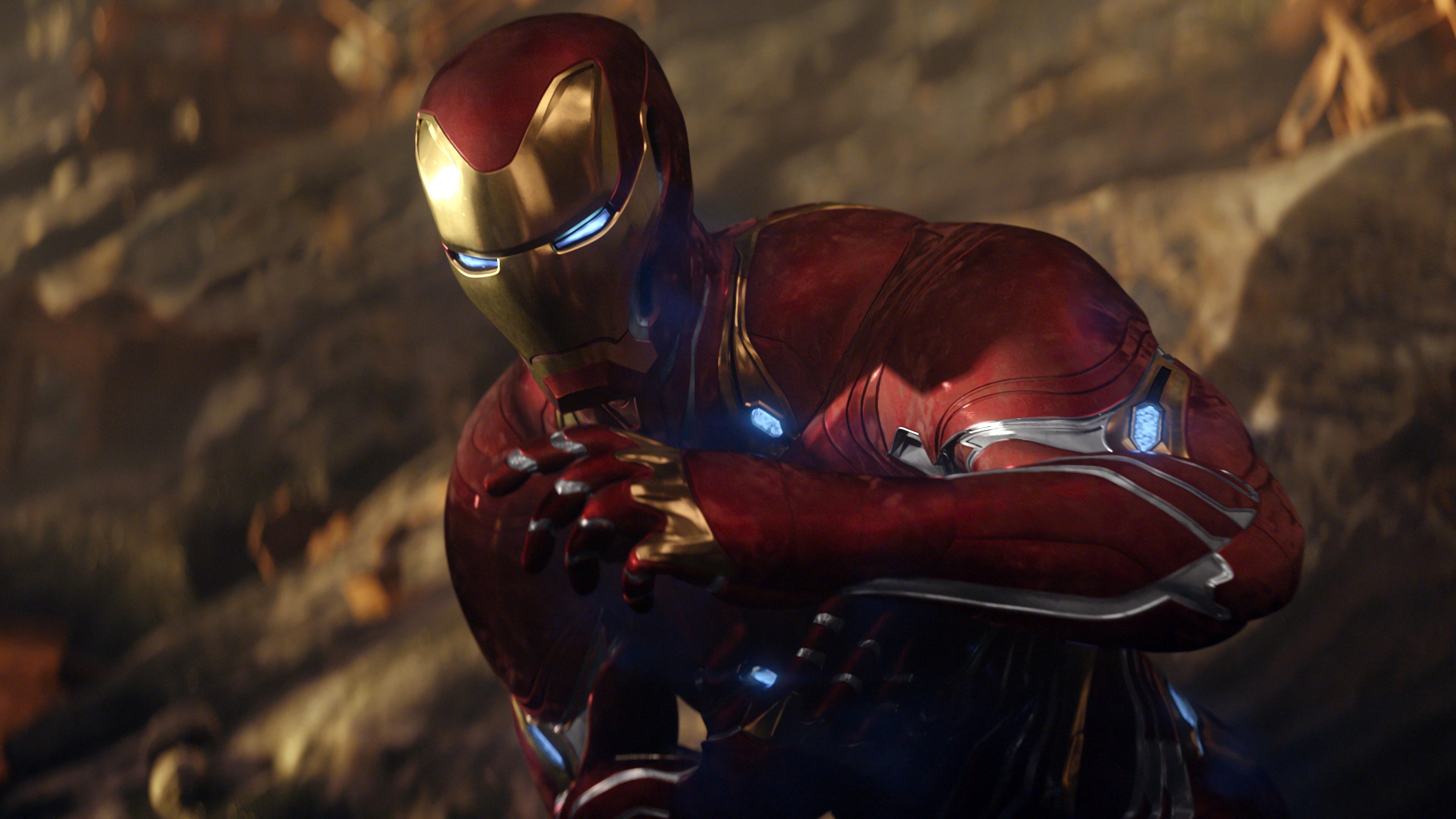 Железный человек в Мстители война бесконечности обои скачать