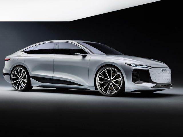 Audi a6 e tron concept 2021 2 автомобиля