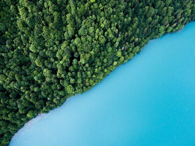 Красивое озеро.