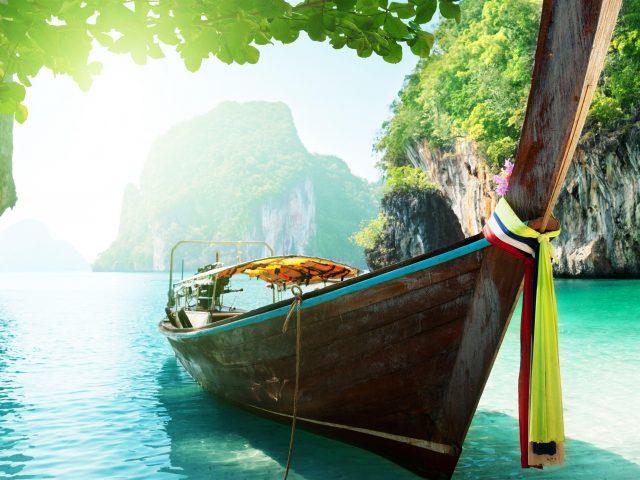 Лодка пляж деревья солнечный свет