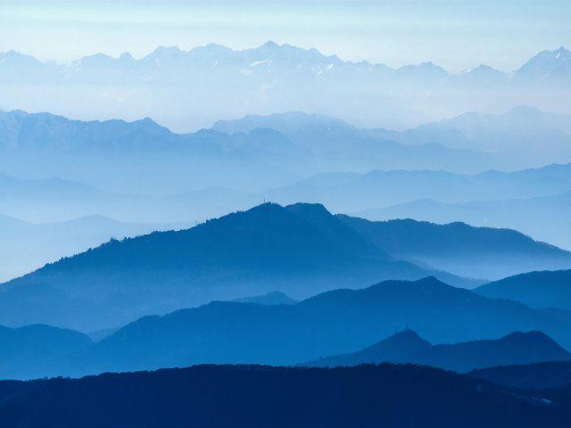 Голубые горные слои