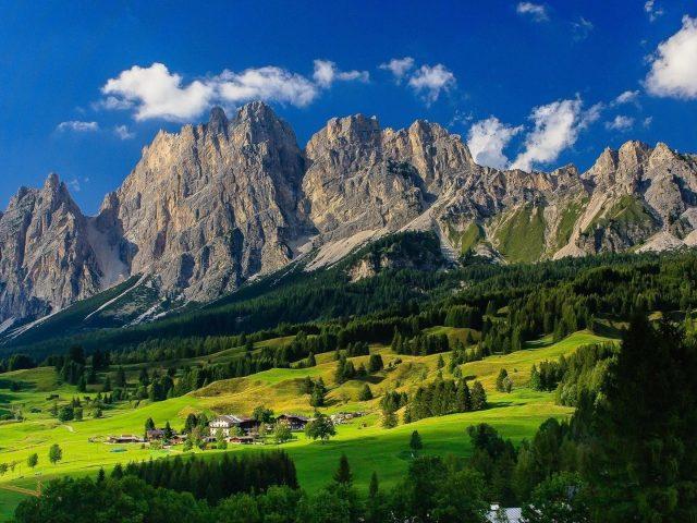 Бавария Германия горная долина деревня природа