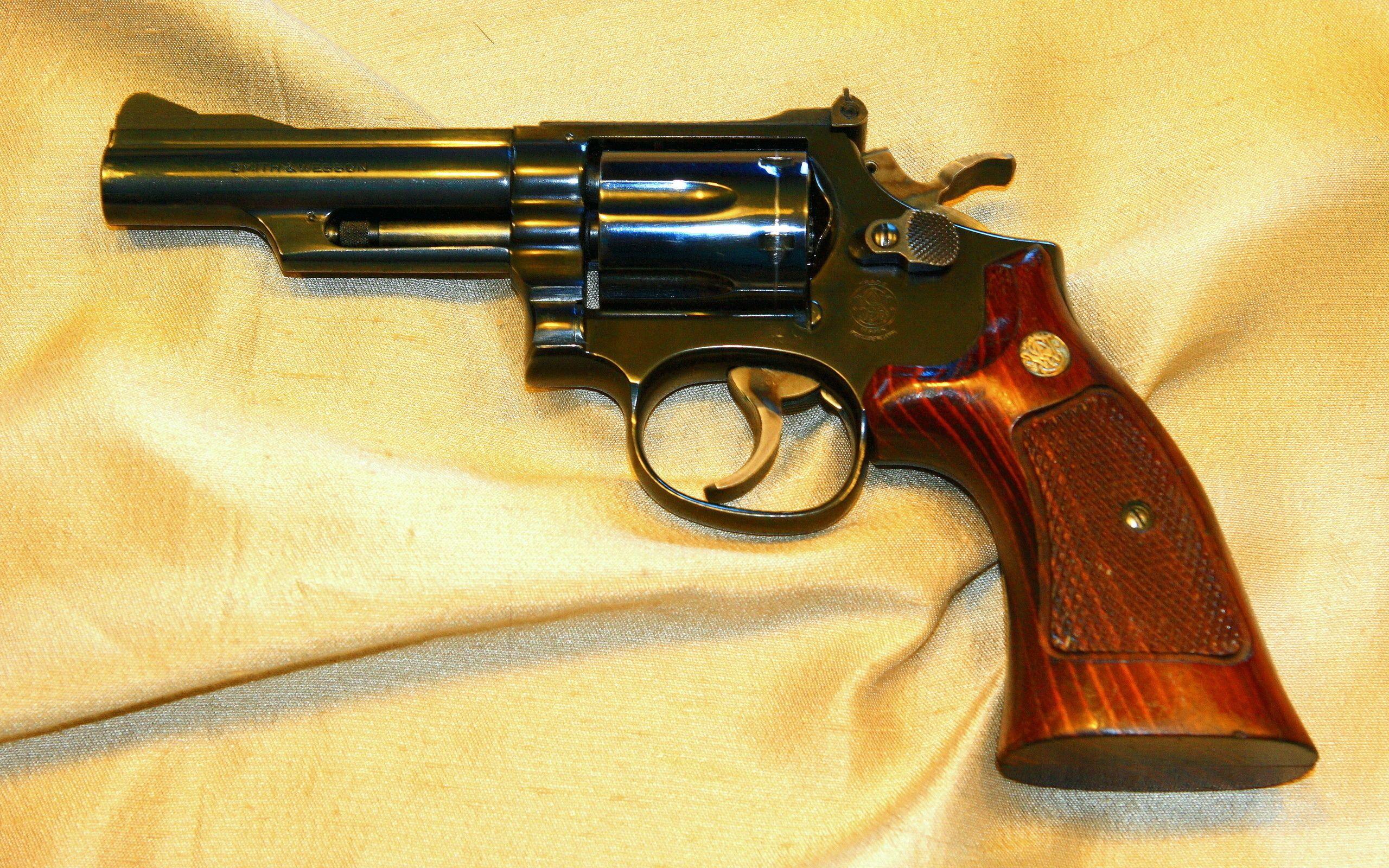 Smith & Wesson Model 19-4 357 Magnum обои скачать