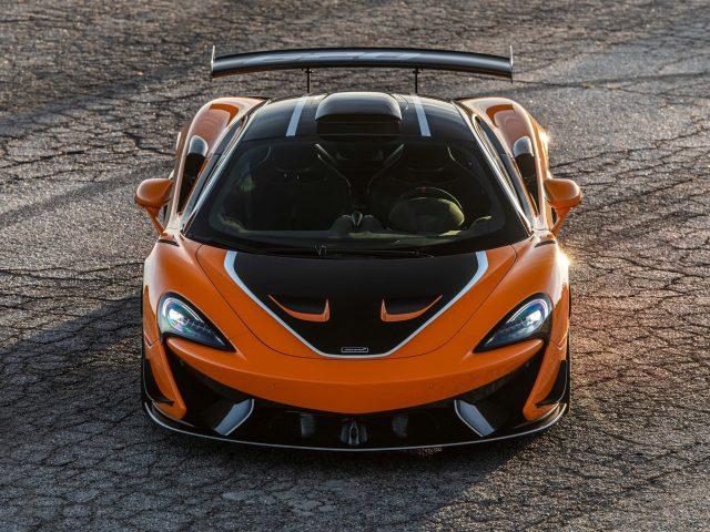 2021 mclaren 620r 2 автомобиля